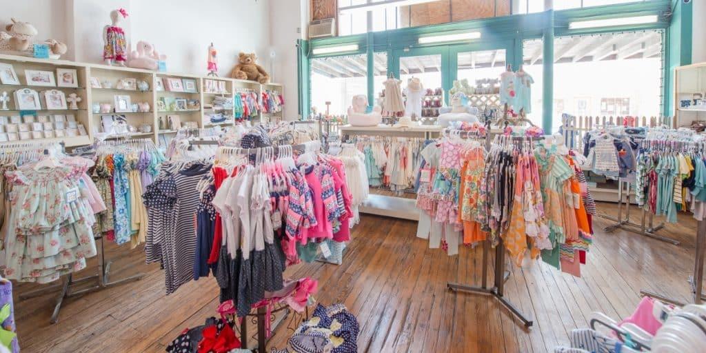 отваряне на магазин за детски дрехи
